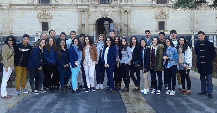 1º-y-2º-de-Bachillerato-visita-la-Universidad-de-Alcalá-2017